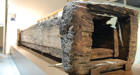 An Edo Period water pipe that carried water from an aqueduct to a well.