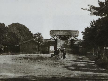 The shogun's private gate,