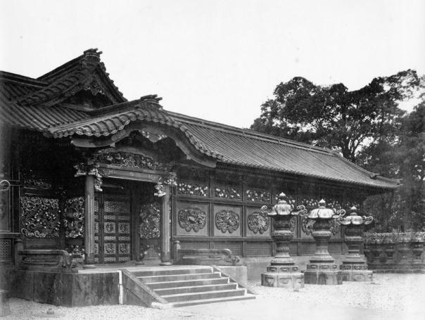 拝殿 中門