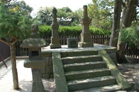 John Blackthorne's, errrrr, Wlliam Adams', errrrr, Miura Anjin's grave.....