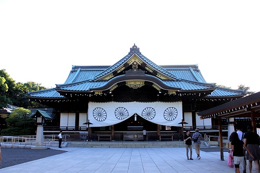 The haiden (main hall/front hall) of Yasukuni Shrine. On most occasions, this is the closest you'll get.