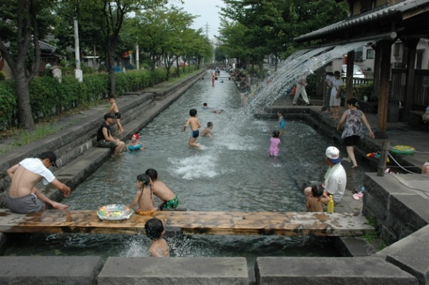 "Hikifunekawa Water Park.  Again, note how narrow it is. This section of the canal has been converted into a ""hydrophilic park.""  Looks like a nice way to beat the awful summer heat in Tokyo."