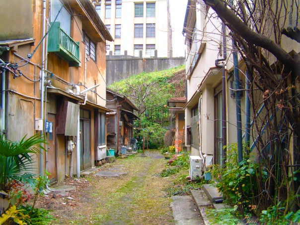 A residential alley in the shitamachi area near Tabata.