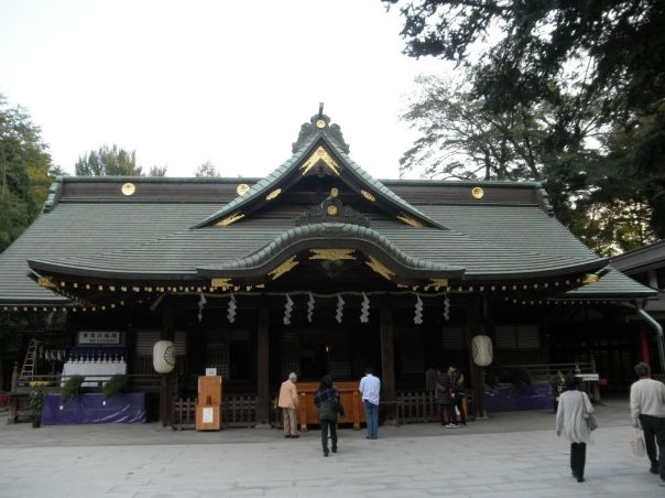 Ōkuni Shrine in Fuchū in the Tama Region. Ōkuni Tama no Mikoto isn't enshrined here per se, but this is most definitely a Kuni Tama, a Shintō tutelary deity of a Province.