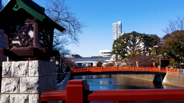View of Ebara Shrine from Shinagawa Bridge.