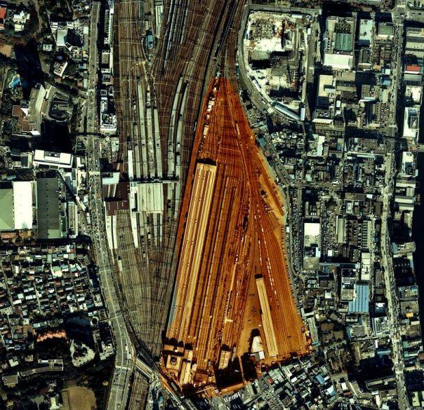 800px-Shinagawa_station_tokyo_japan_1984_aerial-2