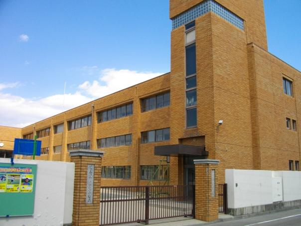 Nishi-Tokyo_Korean_1st_Elementary_and_Junior_High_School.JPG